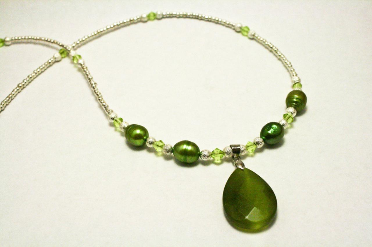 Green Potato Pearl and Silver Seed Bead Necklace