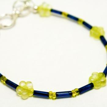 CLEARANCE Blue and Yellow Glass Daisy Bracelet